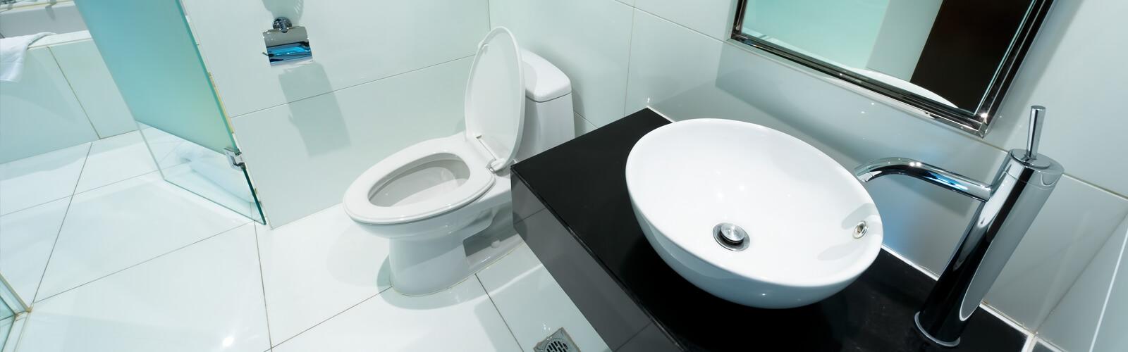 optimized_hotel-bad-toilet.jpg
